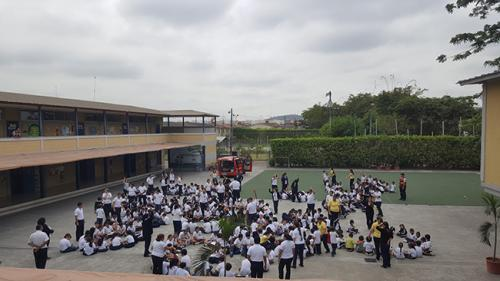 Unidad Educativa Sir Thomas More (4)